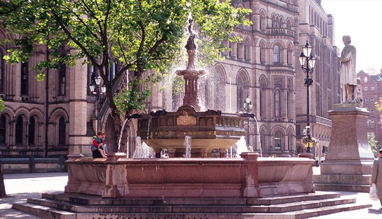 Albert Square - Manchester - Visit Manchester