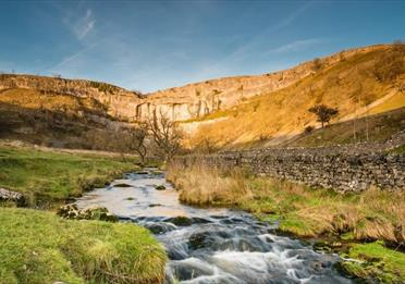 England's Great Walking Trails - Pennine Way: Skipton to Appleby-in-Westmorland