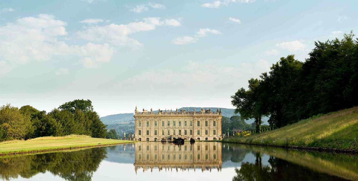 Chatsworth House and Gardens, National Park and Bakewell Pudding Day Trip from Manchester