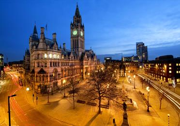 Manchester Walking Tour with Mandarin speaking guide